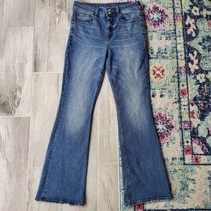 American Eagle Hi Rise Artist Flare Jeans Size 8